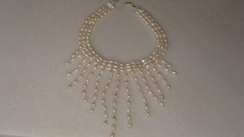 Colier cu perle de cultura si cristale placat cu argint