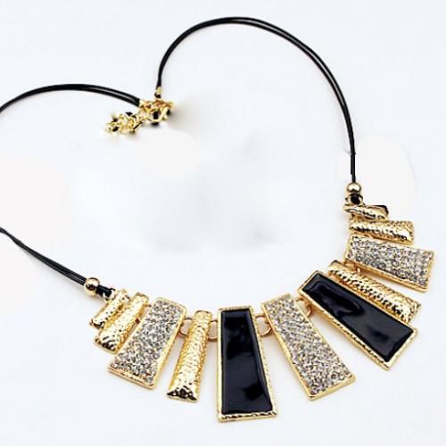 Colier negru cu auriu si cristale