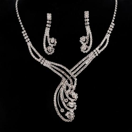 Set elegant placat cu argint