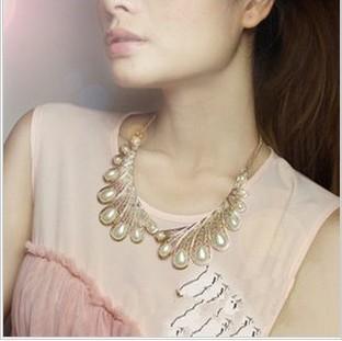 Colier aripi auriu cu perle